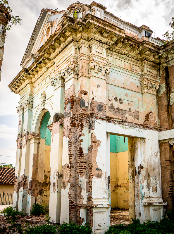 Why ruins fascinate us: Facade of Hospital San Juan de Dios, Granada, Nicaragua