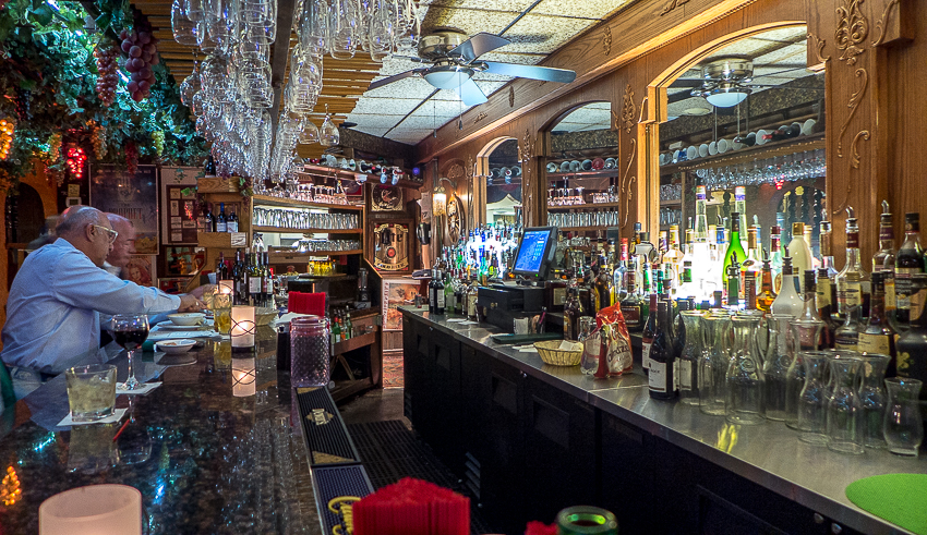 Extroverts and travel - The Beirut bar