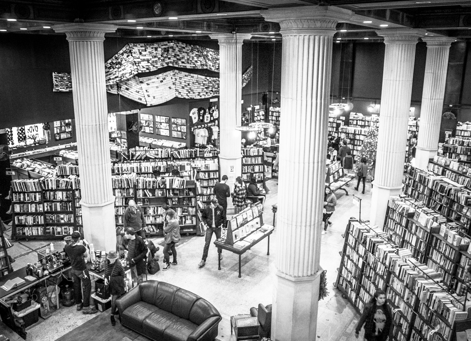 The photographer's DIY walking tour of downtown LA - The Last Bookstore